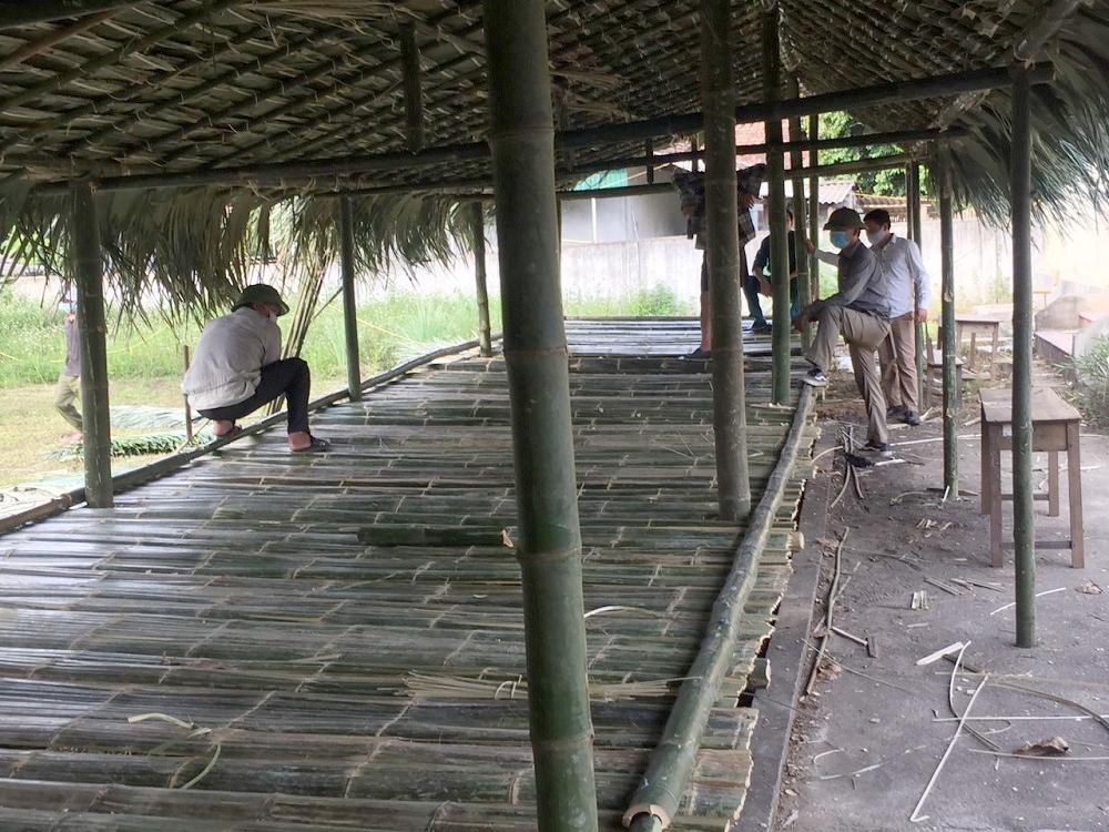 Nghệ An: Những căn nhà lá dựng bằng nghĩa đồng bào cho người cách ly