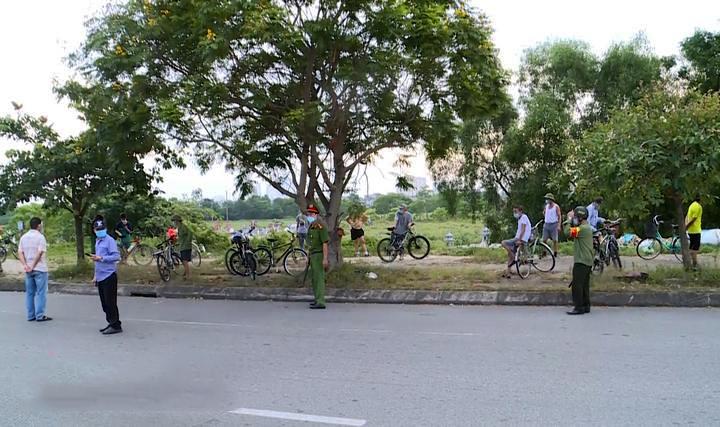 Thành phố Vinh (Nghệ An) nghiêm cấm các dịch vụ ăn uống trên vỉa hè từ 6 giờ ngày 8/8