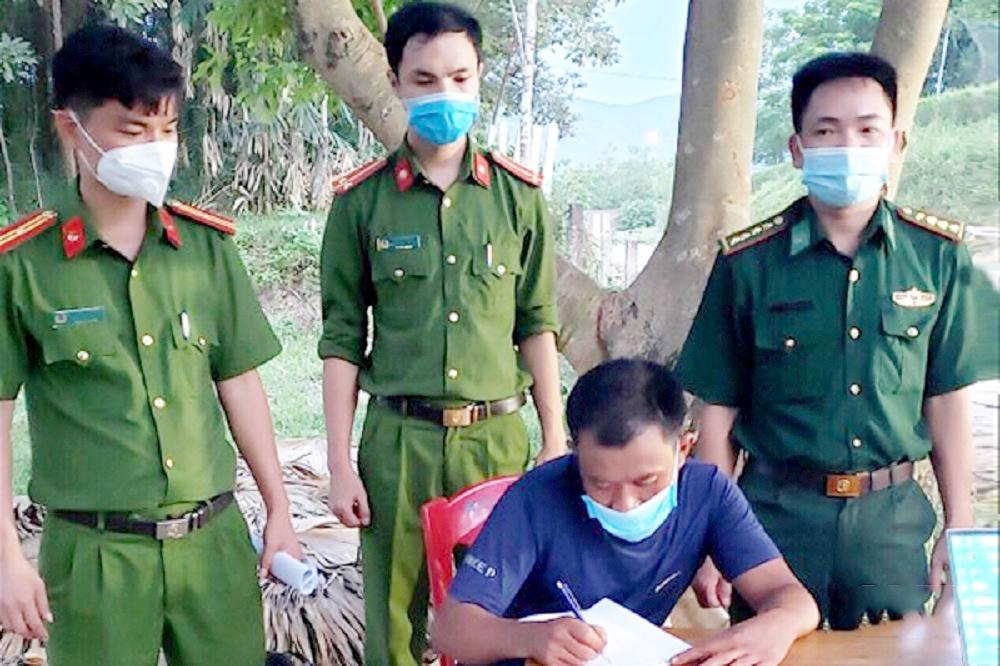 Hà Tĩnh: Triệu tập đối tượng tung tin giả có xe quân sự đón công dân từ vùng dịch về quê