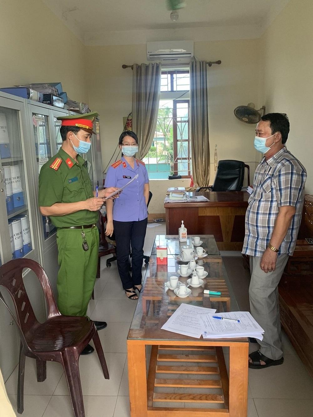 Nghệ An: 5 cán bộ, công chức xã bị khởi tố vì làm giả hồ sơ, giấy tờ
