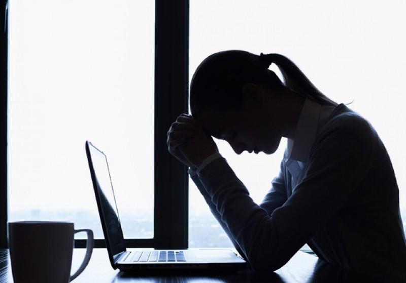 Tại sao càng lên mạng xã hội nhiều càng khiến bạn cô đơn hơn?