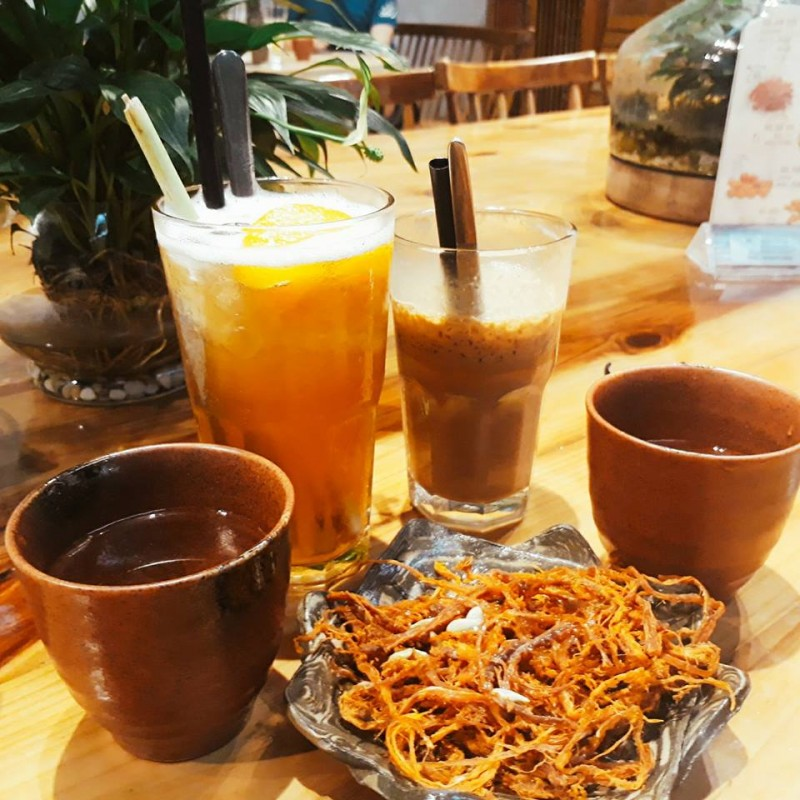 top 3 quan cafe song ao cuc chat tai ha noi