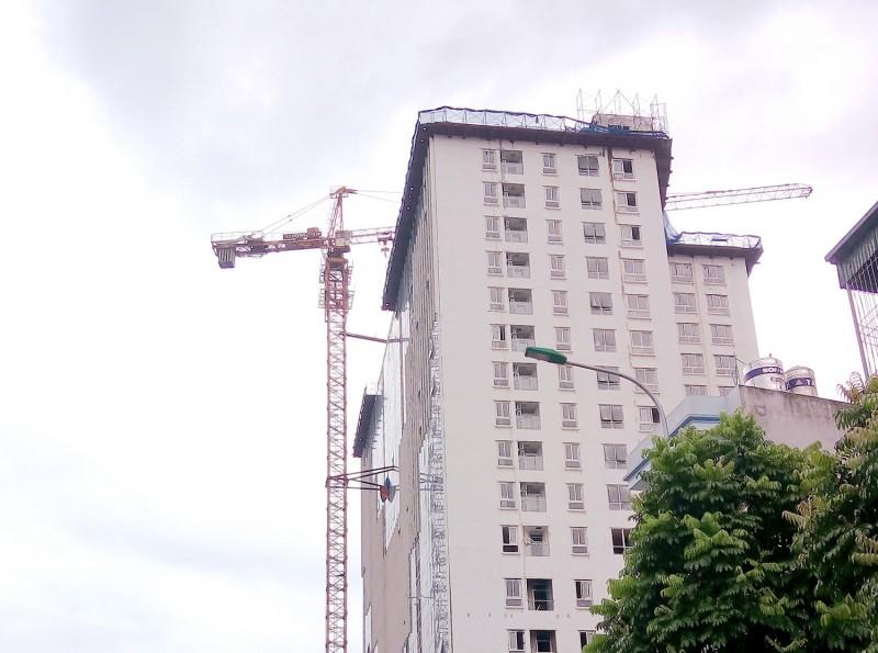Mối lo mất an toàn từ những chiếc cần cẩu công trình