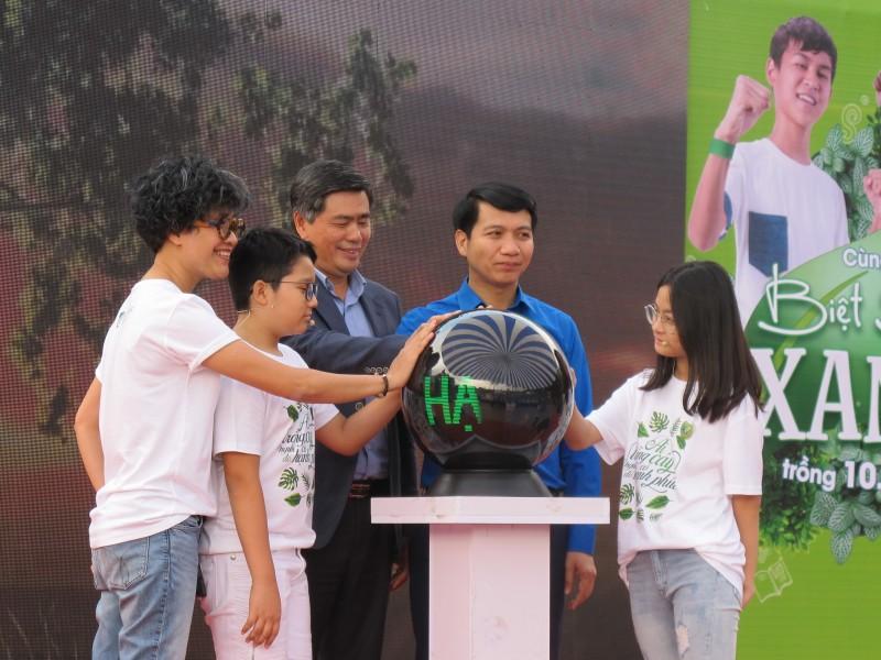 """Ngày hội """"Hạnh phúc Xanh"""" hướng mục tiêu mỗi năm trồng 1 vạn cây xanh"""