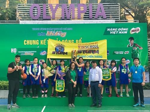 Hai Trường Trần Đăng Ninh và Vinschool vô địch