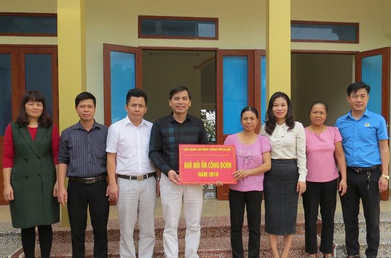 LĐLĐ huyện Sóc Sơn tổ chức khánh thành trao nhà mái ấm công đoàn