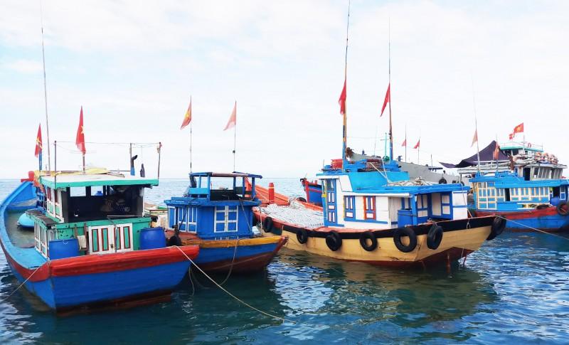 Huế: Cấm tàu thuyền ra khơi vì thời tiết xấu