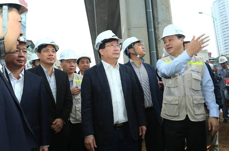 Yêu cầu đẩy nhanh tiến độ hai tuyến đường sắt đô thị tại Hà Nội