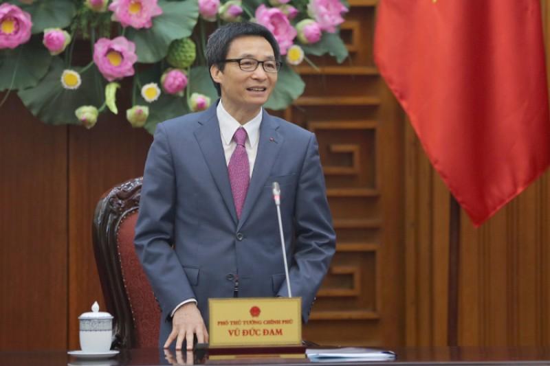 Phó Thủ tướng Vũ Đức Đam gặp mặt các thầy thuốc Việt Nam