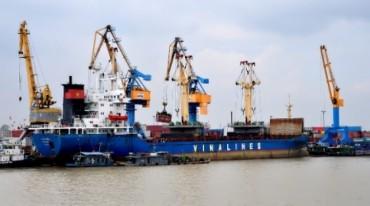 Vinalines và TKV phối hợp vận chuyển hàng