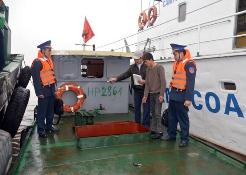 Vận chuyển hàng hóa trái phép trên biển bị phạt từ 3 triệu đồng