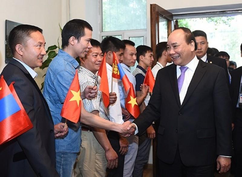 Thủ tướng Nguyễn Xuân Phúc thăm Việt kiều đang sinh sống tại Mông Cổ
