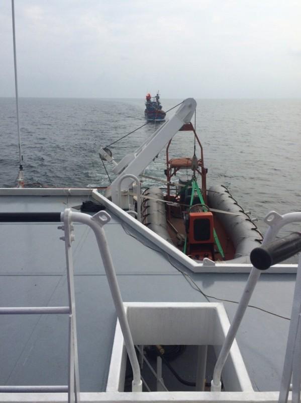 Cứu hộ thành công 9 thuyền viên tàu cá ĐNa 90646 TS