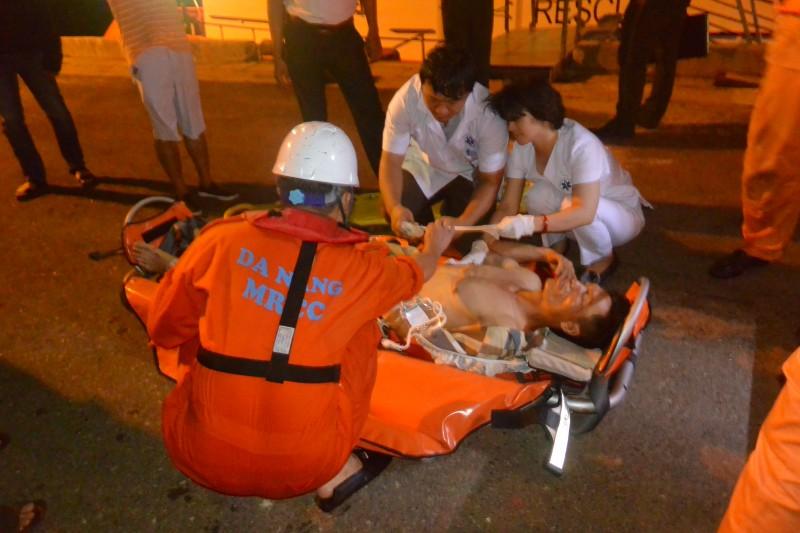Cứu nạn thành công thuyền viên bị tai nạn lao động