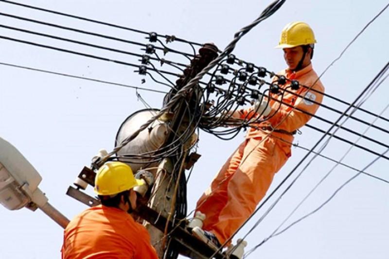 Không tăng giá điện và dịch vụ y tế 2 tháng cuối năm