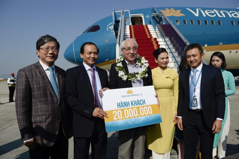 Tổng Công ty Hàng không Việt Nam đón hành khách thứ 20 triệu