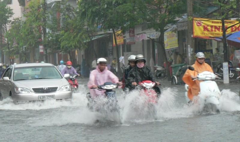 Yêu cầu tập trung khắc phục hậu quả mưa lũ tại miền Trung
