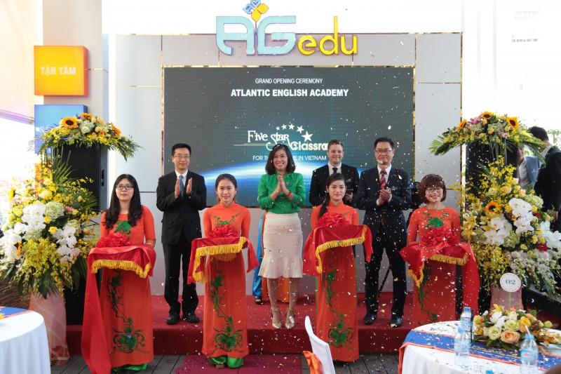 Khai trương Trung tâm Anh ngữ đạt chuẩn 5 sao tại Hà Nội