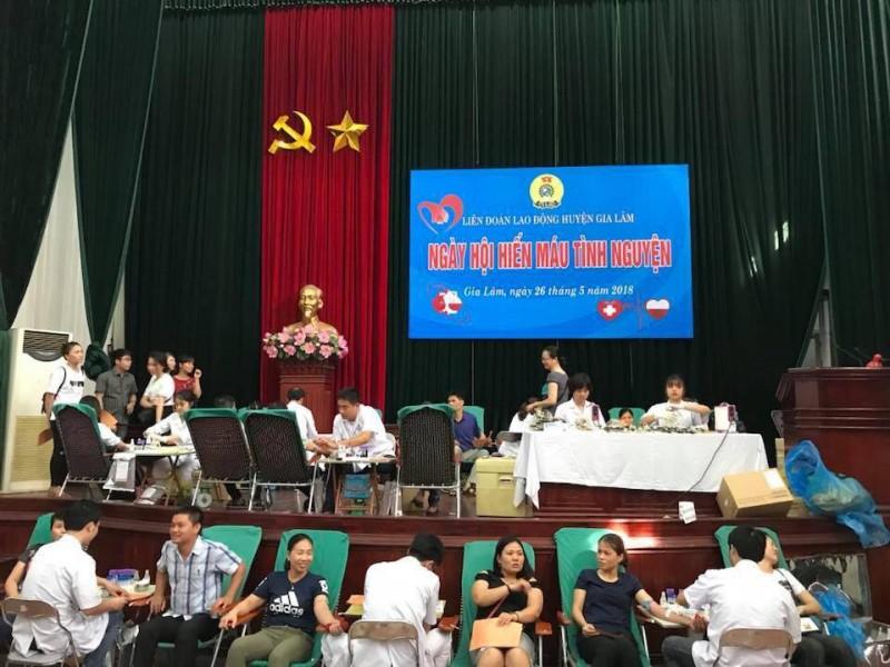 Vận động CNVCLĐ Thủ đô tích cực tham gia hiến máu tình nguyện