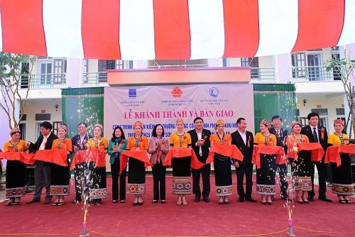 Khánh thành công trình nhà ăn kiêm hội trường tại khu nội trú trường học ở Nghệ An