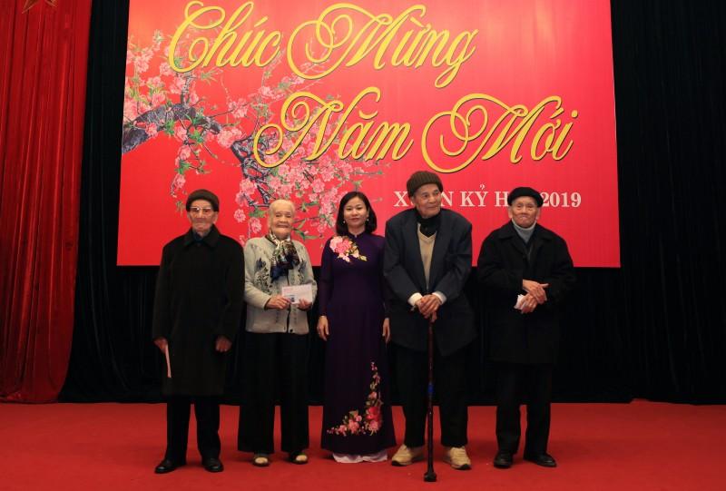 Gặp mặt cán bộ công đoàn hưu trí nhân dịp Tết Nguyên đán Kỷ Hợi 2019