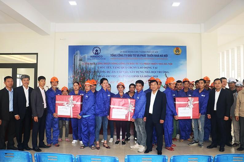 Công đoàn HANDICO  thăm và chúc Tết công nhân trên công trường