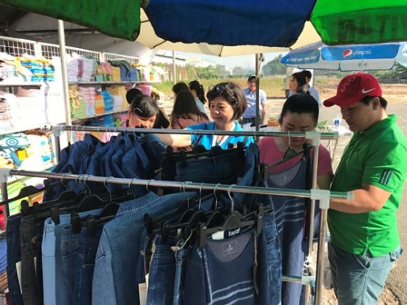 Công đoàn Dệt May Việt Nam chăm lo Tết chu đáo cho người lao động
