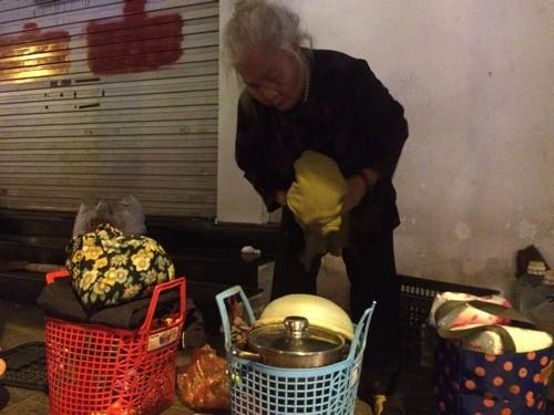 Người lang thang được đưa về Trung tâm Bảo trợ xã hội ăn Tết