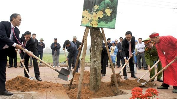 Năm 2019 phấn đấu trồng mới, chăm sóc trên 5000 cây xanh