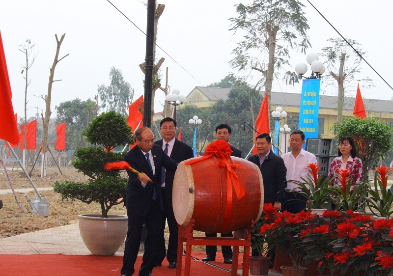 Quận Hoàng Mai: Năm 2019 phấn đấu trồng trên 1.200 cây xanh