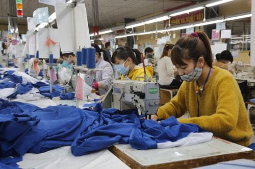 Cách mạng 4.0: Lao động nữ dễ mất việc