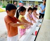 Tăng cường phòng chống bệnh tay chân miệng và các bệnh do muỗi truyền trong trường học