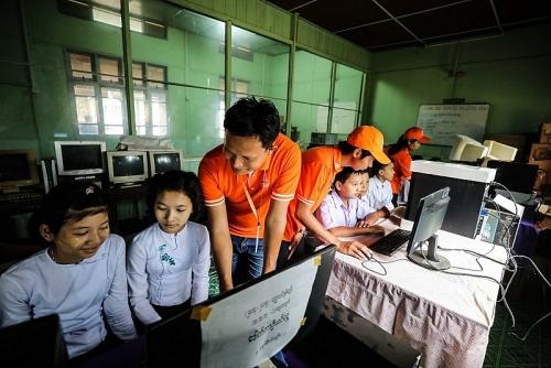 Viettel đẩy mạnh ứng dụng eSIM tại Đông Nam Á