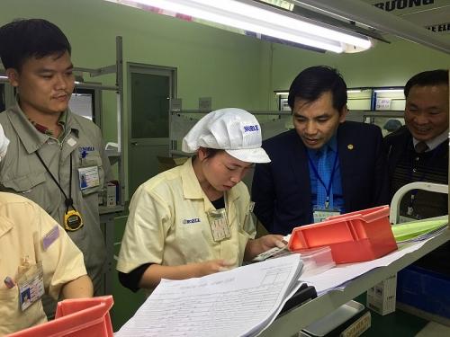 Bảo vệ quyền lợi cho trên 350 người lao động