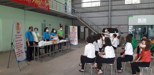 van dong nguoi lao dong chung tay cung doanh nghiep vuot kho