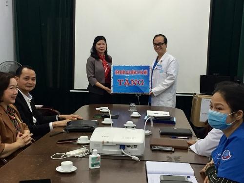 LĐLĐ Thành phố Hà Nội hỗ trợ 1500 đoàn viên bị ảnh hưởng bởi dịch bệnh Covid- 19