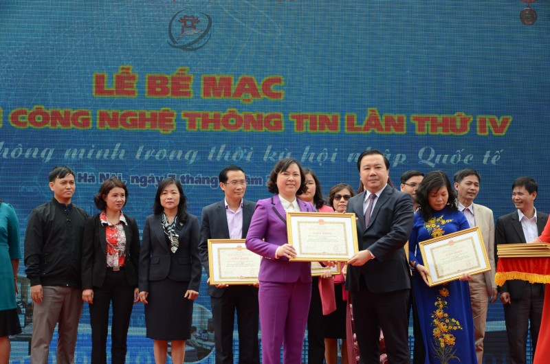 Trên 600 tập thể, cá nhân được trao thưởng tại Ngày hội CNTT ngành GD&ĐT Hà Nội lần thứ IV