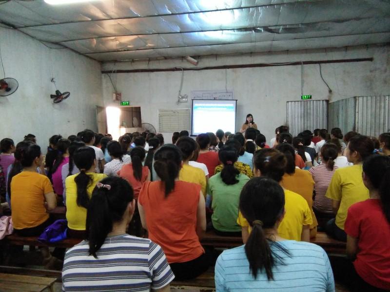 Tuyên truyền, tư vấn sức khỏe sinh sản cho lao động nữ