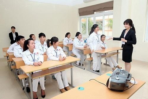 Tạm dừng tuyển chọn, đào tạo trực tiếp cho lao động ra nước ngoài làm việc