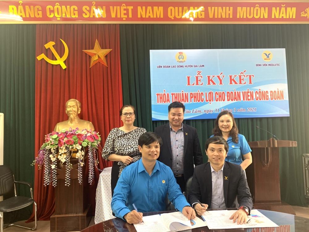 Liên đoàn Lao động huyện Gia Lâm: Ký thỏa thuận hợp tác chăm sóc sức khỏe cho đoàn viên