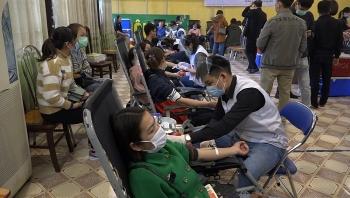 Vận động đoàn viên, công nhân viên chức lao động tham gia hiến máu