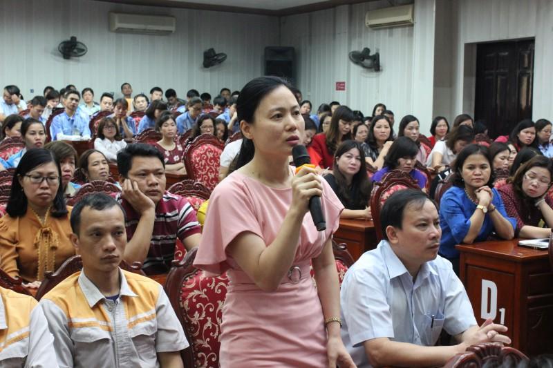 Lãnh đạo huyện Gia Lâm đối thoại với chủ doanh nghiệp, cán bộ công đoàn và CNVCLĐ