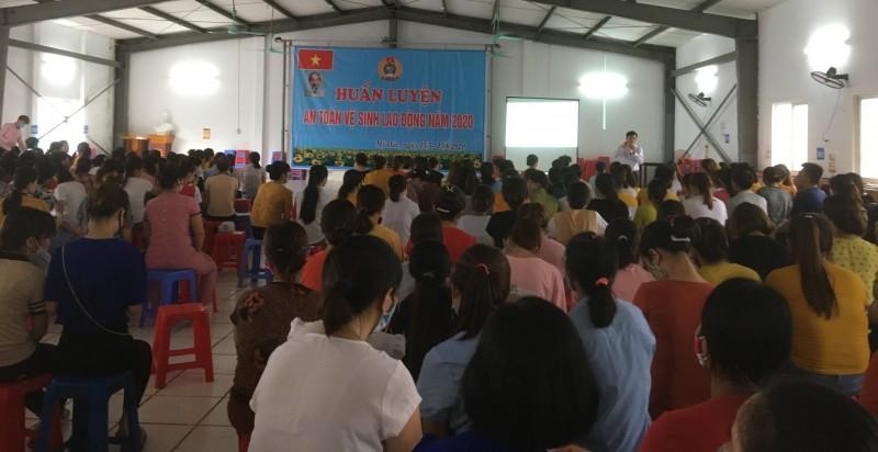 1.500 công nhân ngành Dệt May Hà Nội được huấn luyện An toàn vệ sinh lao động