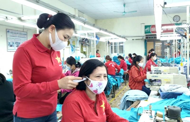 Vừa phòng dịch vừa giữ ổn định việc làm cho công nhân