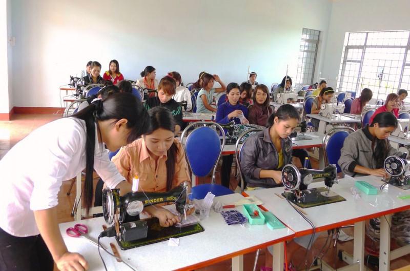 Hỗ trợ đào tạo trình độ cao về kỹ năng nghề cho khoảng 8.800 lao động