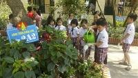 Kêu gọi giáo viên, học sinh phát huy tinh thần tự giác đảm bảo vệ sinh môi trường