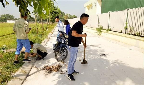 Huyện Gia Lâm: Thanh niên ra quân làm sạch đẹp các tuyến đường
