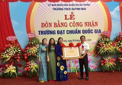 Trường Trung học cơ sở Quỳnh Mai đón Bằng công nhận đạt chuẩn Quốc gia
