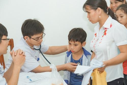 """""""Trái tim cho em"""" lần đầu tiên khám sàng lọc tại Kiên Giang"""