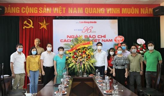 Lãnh đạo Tổng Liên đoàn Lao động Việt Nam chúc mừng báo Lao động Thủ đô